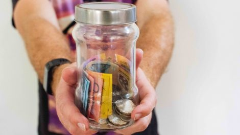 Tips Ajarkan Anak Remaja Mengatur Uang